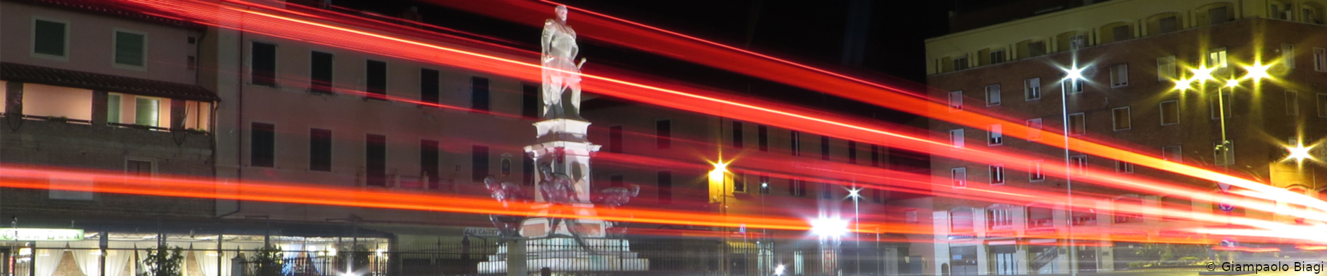 monumento quattro mori in notturna
