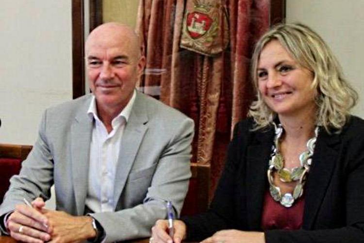 Immagine del Sindaco con l'assessora Bonciani