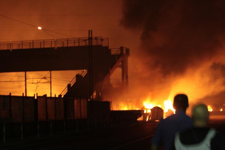 Foto della tragedia alla stazione di Viareggio (foto Wikipedia autore Rabendeviaregia)