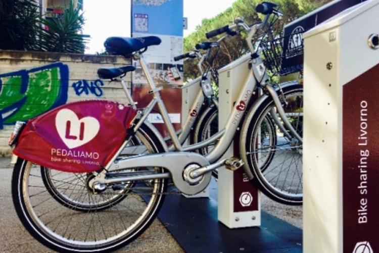 immagine delle biciclette deputate al bike sharing