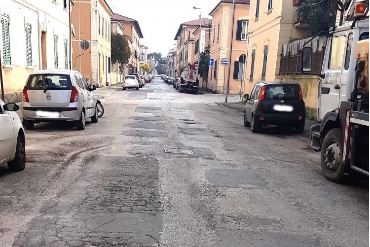 Foto della carreggia di via Fattori