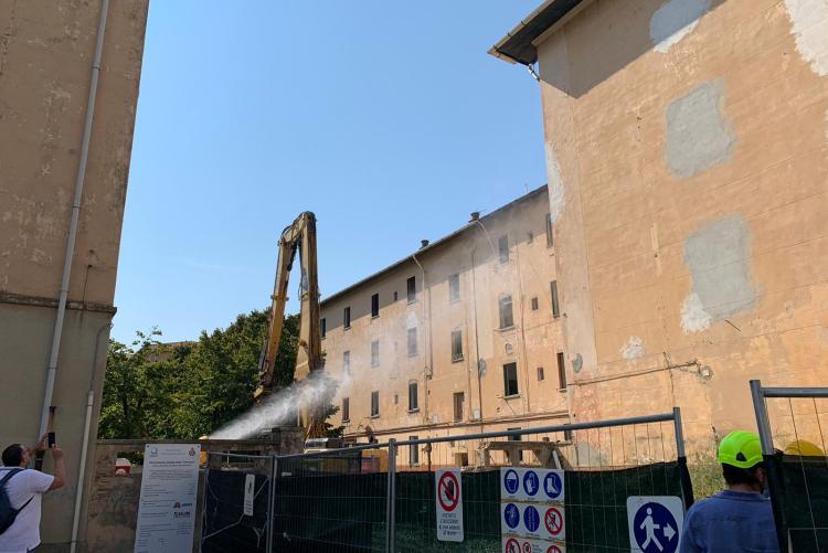 chiccaia in demolizione