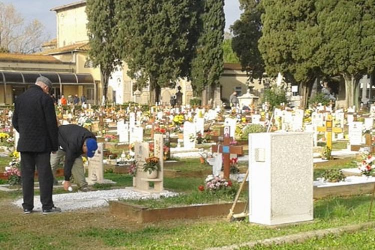 Un'immagine dei cimiteri comunali