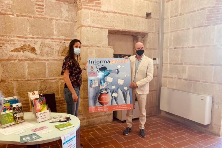 foto di un momento della conferenza al Cisternino di Città con la vicesindaca Libera Camici e il sindaco Luca Salvetti
