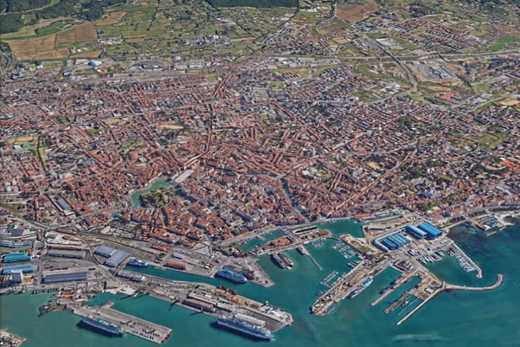 Immagfine aerea di Livorno