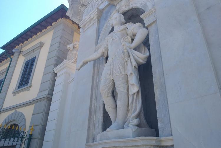 foto della statua di Pietro Leopoldo