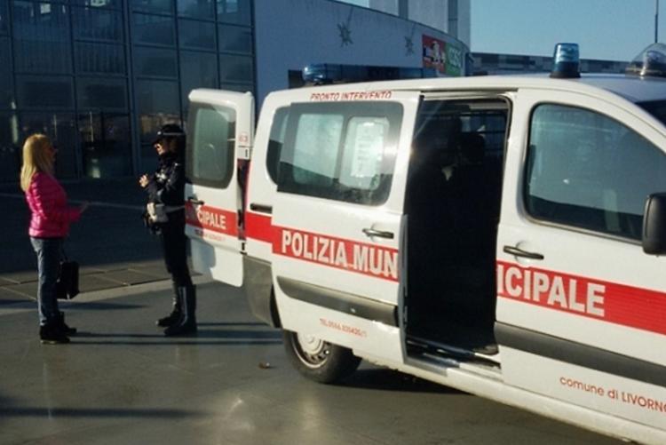 Foto di una postazione mobile della Polizia Municipale