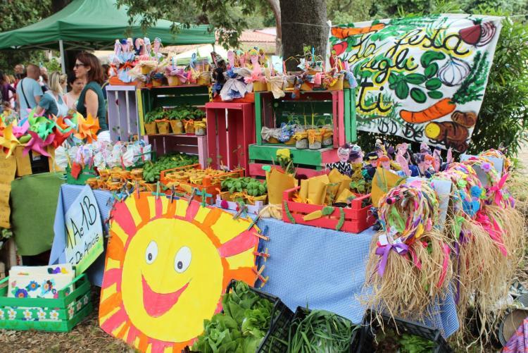Foto di una edizione del Mercato Contadino di Slow Food - Orto in Condotta