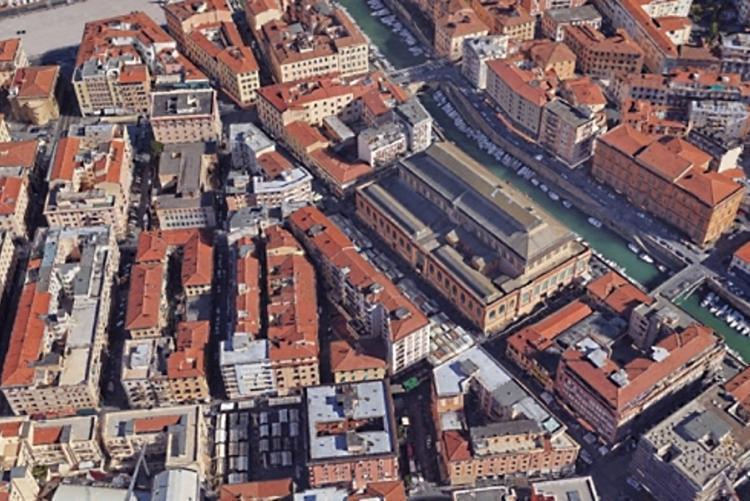 Immagine dall'alto dell'area mercatale Buontalenti