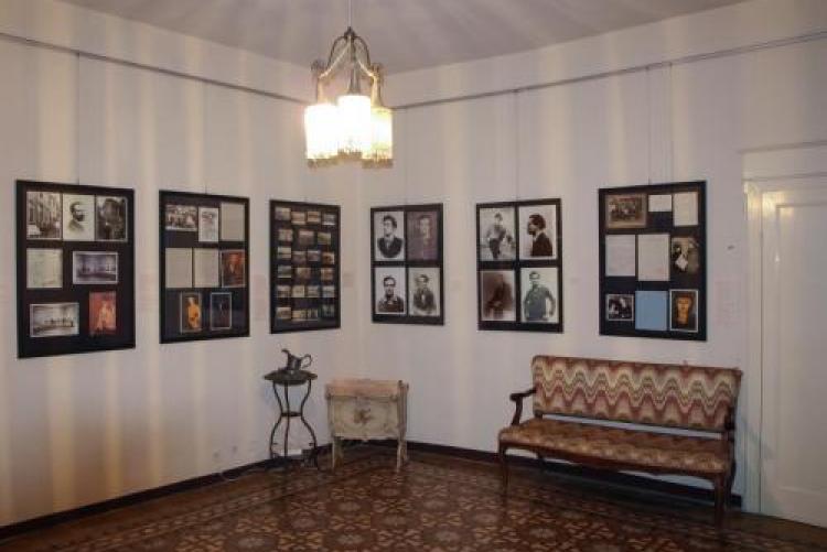 immagine del salotto di casa modigliani