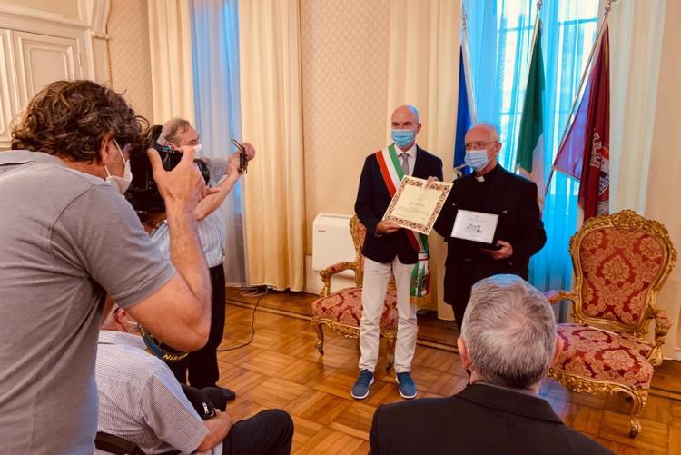 Il Sindaco e Don Paolo Razzauti