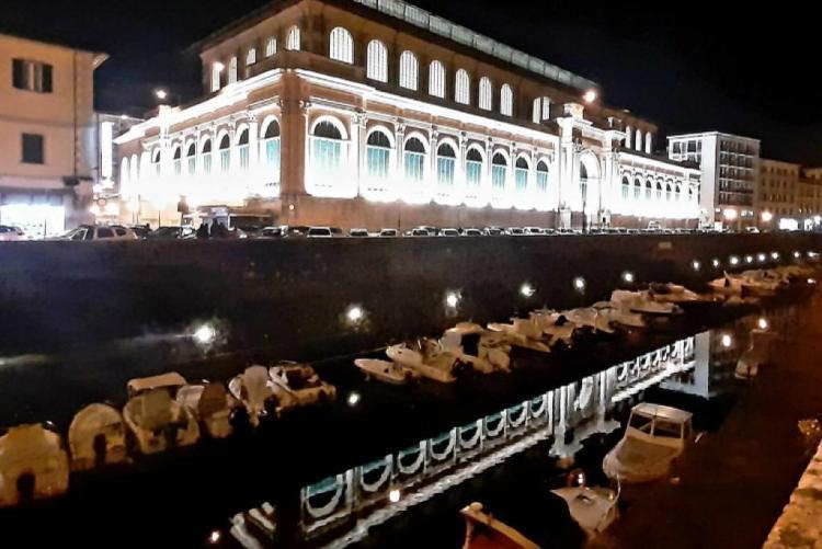 Mercato Centrale illuminato