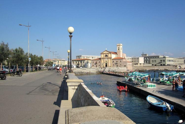 Lungomare Acquaviva (foto Wikipedia)