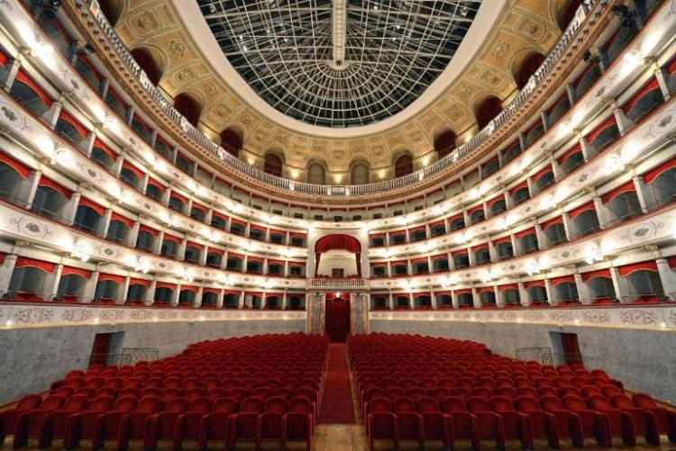 foto di A. Bizzi del Teatro Goldoni Livorno_interno_